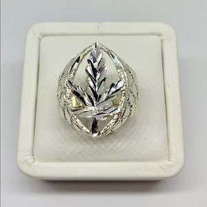 Sterling Silver 925 Cannabis Leaf Ring Size 11